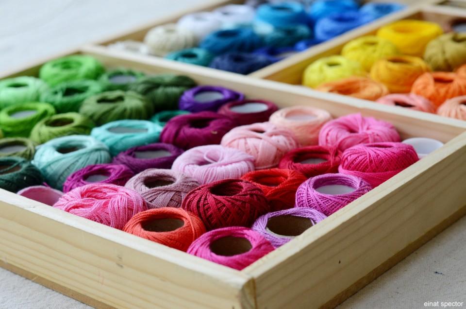 חוטים במבחר צבעים